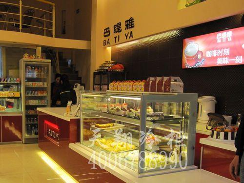 巴缇雅蛋糕店冷藏柜-大理石蛋糕柜_面包柜工程案例